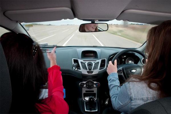 想提升自己的駕駛技術,可以試試這一招
