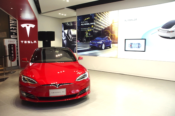 Tesla 台灣旗艦店今日開幕!飯店及百貨公司將有充電站!