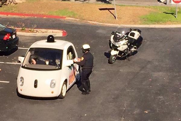 美國各州奇怪的交通法規,在加州開太慢會被罰?