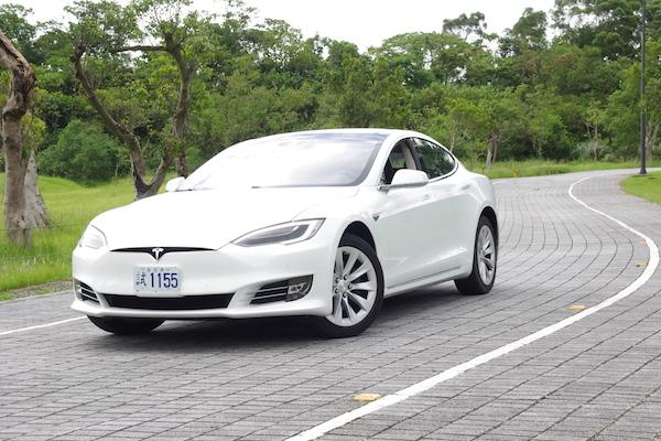 Tesla Model S 90D 試駕,這才是真正的電動車!
