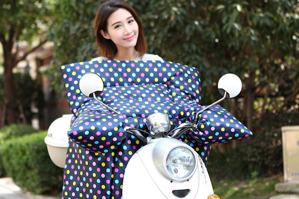 也想買一條?裹棉被的「機車擋風被」其實很危險!