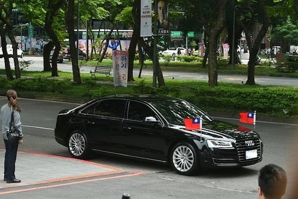 人前風光的台灣總統座車,退役後的下場讓人鼻酸 ...