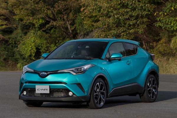 日本人超愛 Toyota C-HR,但賣最好的車型台灣可能買不到?
