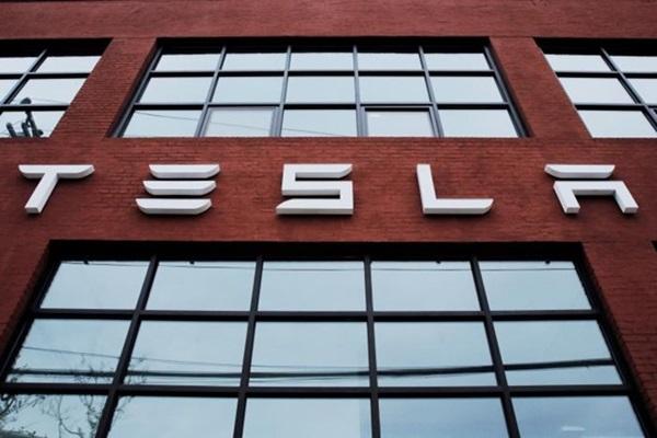 自動駕駛死亡車禍調查出爐!Tesla Autopilot 根本沒缺陷!