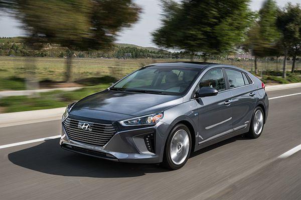 擺明挑戰 Toyota Prius 而來! Hyundai Ioniq 在北美爭鋒較勁從售價下手!