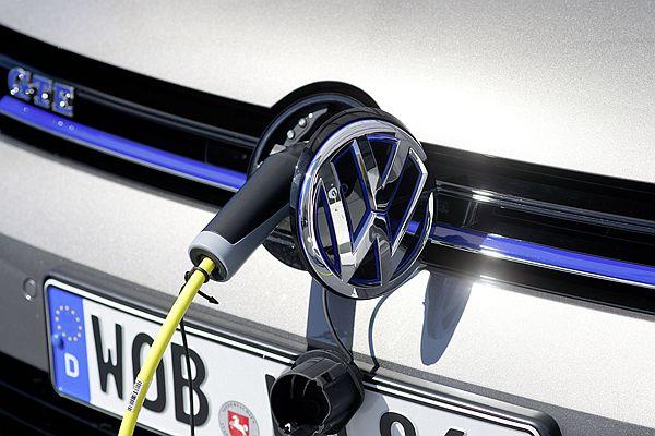 為保持銷售龍頭地位, Volkswagen 集團電能計畫將故技重施?