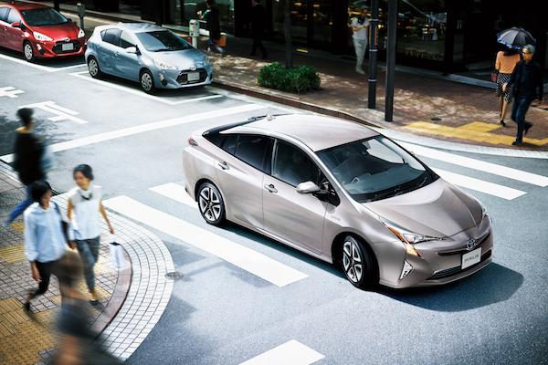 日本 2016 年度汽車銷售前 10 名出爐,這家車廠包辦 6 個席次!