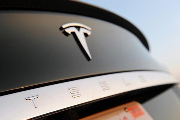 成立不到 14 年就擊敗百年車廠!美國最有價值汽車品牌竟是它!