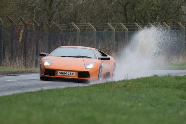 養一輛 Lamborghini 超跑代價有多高,車主親自算給你看!