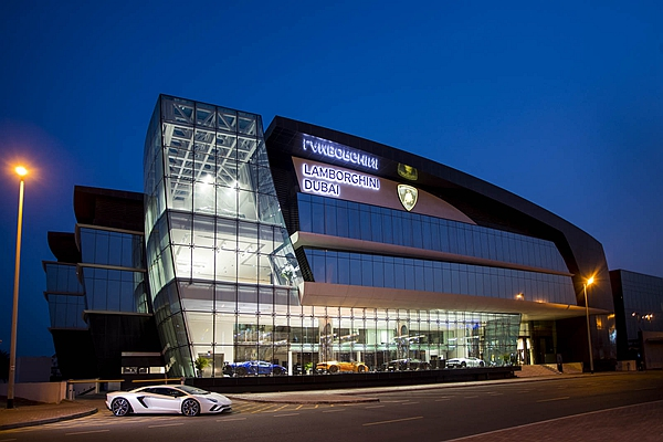 所謂「豪氣」! Lamborghini 全球最大展間猜猜在哪裡?