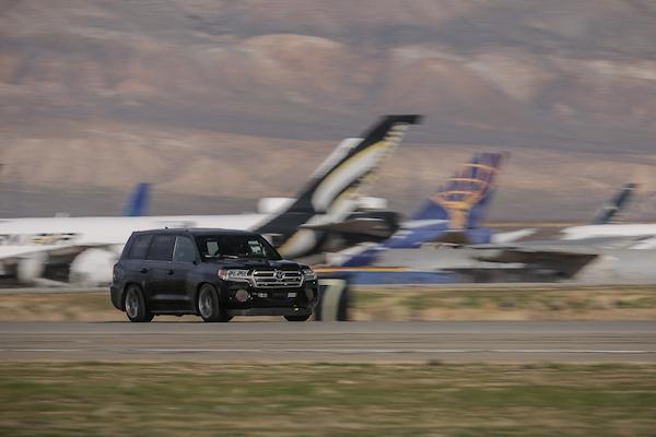 當今極速最快休旅車換人,Toyota 竟然打敗賓利?(內有影片)