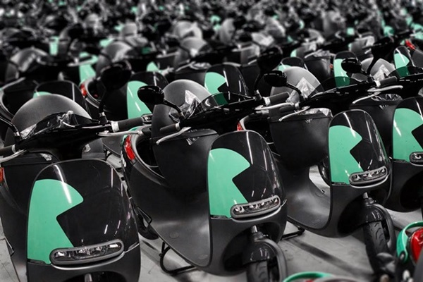 法國巴黎推廣電動機車共享,合作對象找上台灣品牌...