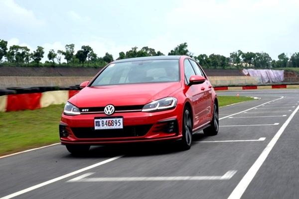 熱血性能搭配精準操控,VW 小改款 Golf GTI  賽道操駕體驗!(內有相片集)