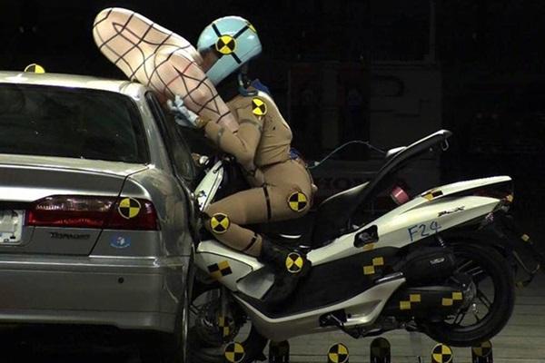 騎士們的福音,白牌速克達機車也有安全氣囊可以用!(內有影片)