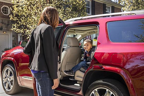 孩童滯留車內致死問題太頻繁!美議員推動 Hot Cars 強制提醒