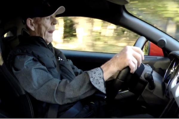 還是得開車的高齡駕駛,購車時需注意這 4 件事!