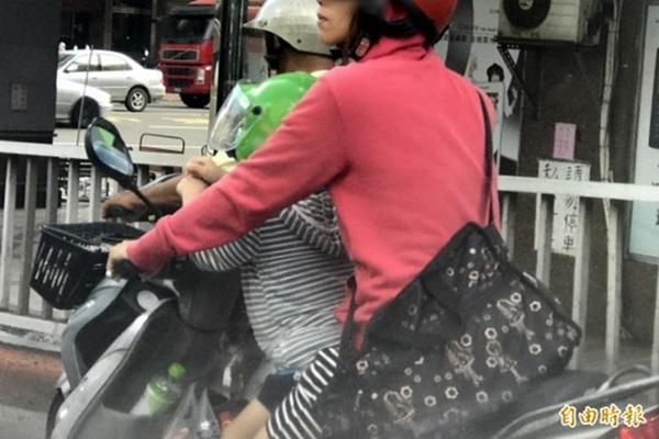 為幼童安全加裝機車後座安全座椅?小心改裝取締問題!