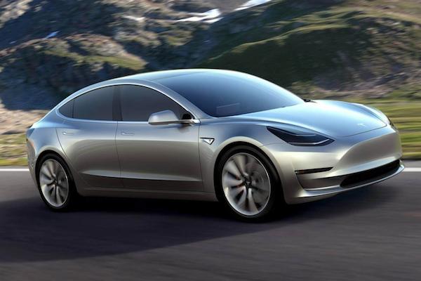 等了一年多 Tesla Model 3 平價電動車月底交車!創辦人發推特這麼說...