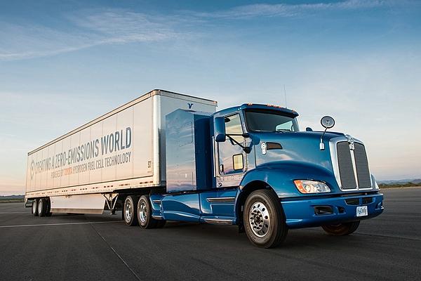 柴油引擎連卡車市場都快保不住?電動拖車頭加速實力好驚人(內有影片)