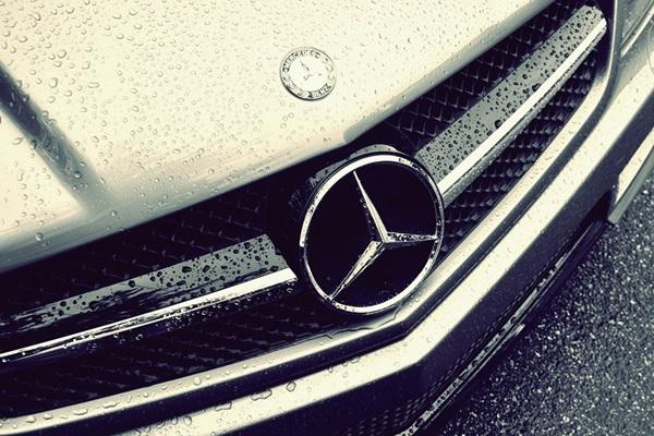 M-Benz 遭外媒踢爆:出售逾百萬輛排放超標車款!