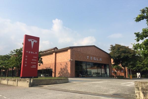 多一個更舒適的賞車地點!Tesla 內湖展示中心 8 月準備啟用