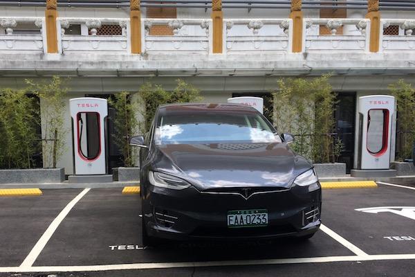 Tesla Model X P100D 試駕報告:感受如大怒神般的狂暴加速!(內有試駕影音)