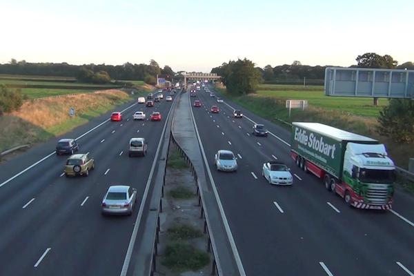 果然是全球考照最難國家!英國新手駕駛明年要在高速公路進行駕訓
