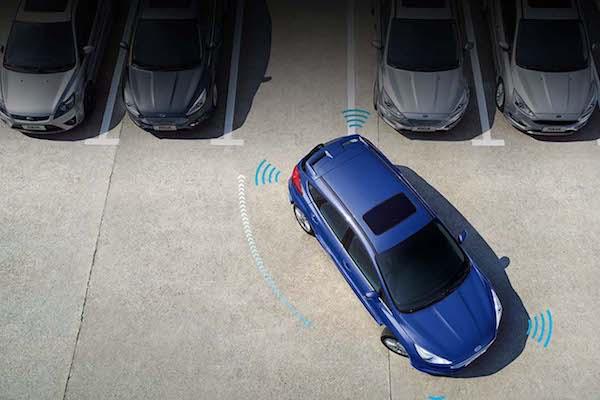 根本是新手駕駛救星的停車輔助系統,100 萬元內卻只有 2 款車有這配備!