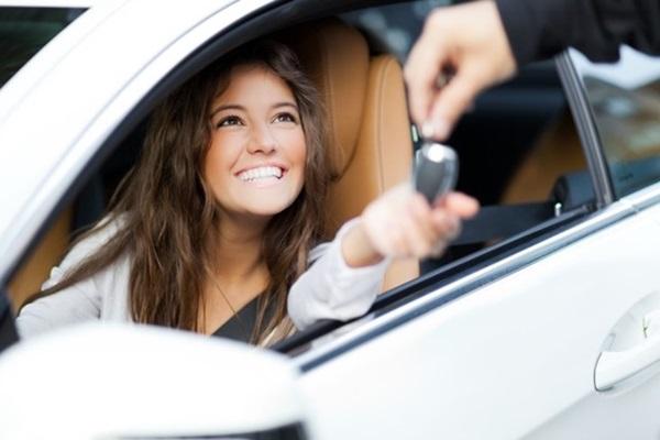台灣年輕車主的新車銷售滿意度較高,關鍵原因就是善用網路!
