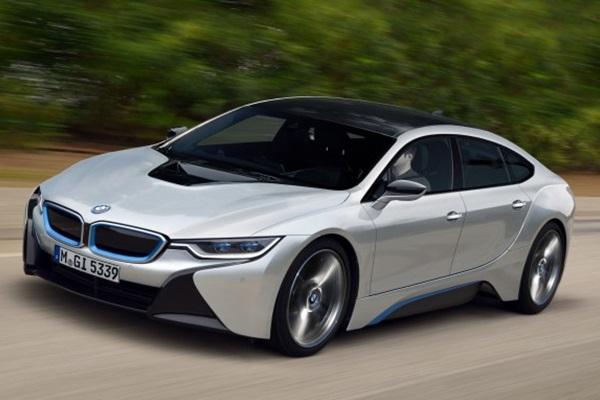 BMW i 系列新成員即將現身!續航力有望直逼 Tesla(內有影片)