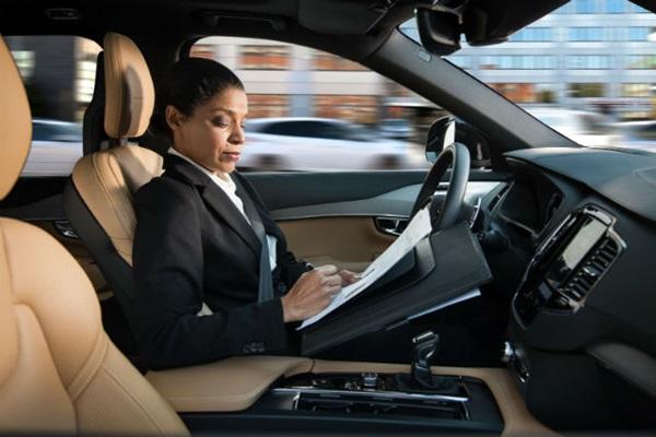 全自動駕駛若上路,這項產業獲益最大、成長空間達 3.1 兆!