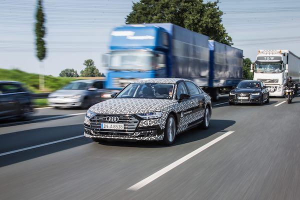 塞車讓駕駛踩煞車踩到抽筋,汽車新科技解決這困擾!(內有影片)