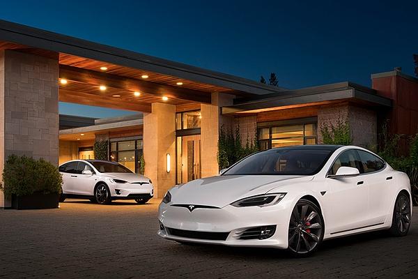 電動車也有備用電源?為幫助逃離颶風,車廠從雲端解鎖增加里程數