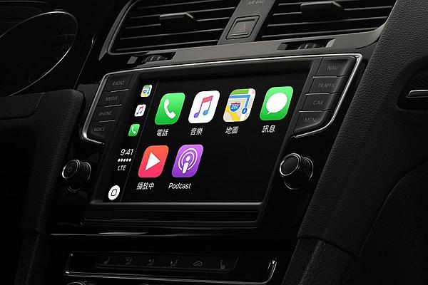 新 iPhone 太貴想跳槽?別忘先查車輛是否只支援單一作業系統