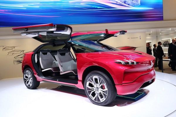 中國最新山寨車發表,讓人以為是 Tesla Model X!