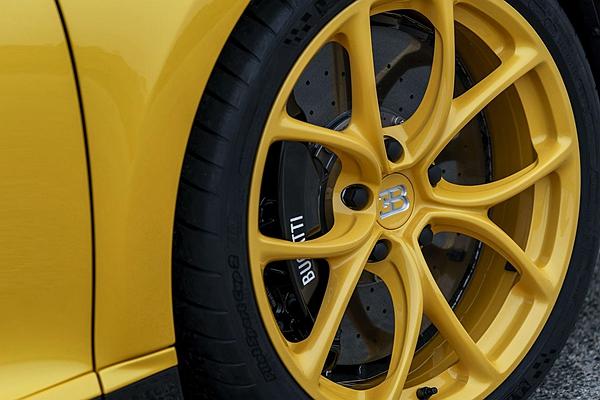 新山豬換胎還要 120 萬?Bugatti 工程師:「有比上一代便宜啦!」