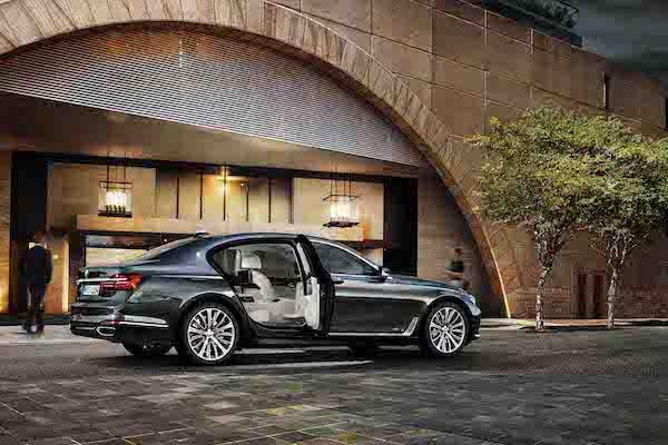 德國旗艦車開打!BMW 7 系列新年式降價 66 萬搶賓士 S-Class 小改款市場