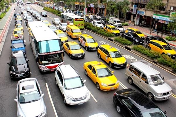 因為三寶太恐怖?台灣民眾買車前最在意的竟不是售價!