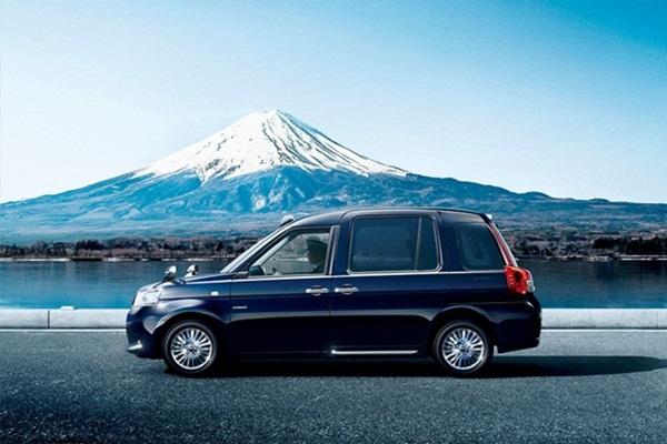 為迎接東京奧運到來,Toyota 推出全新計程車載客!(內有相片集)