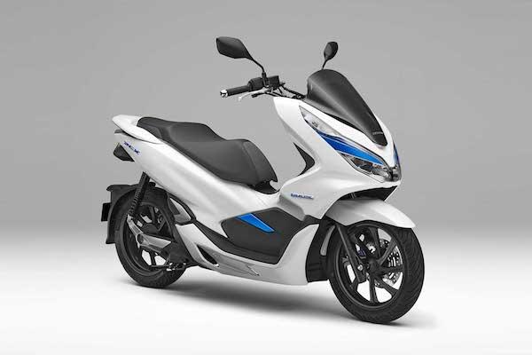 與 Gogoro 有志一同!Honda PCX 電動機車也採電池交換式設計