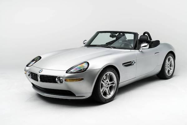 BMW Z8 經典跑車即將拍賣,它的第一位主人竟是賈伯斯!
