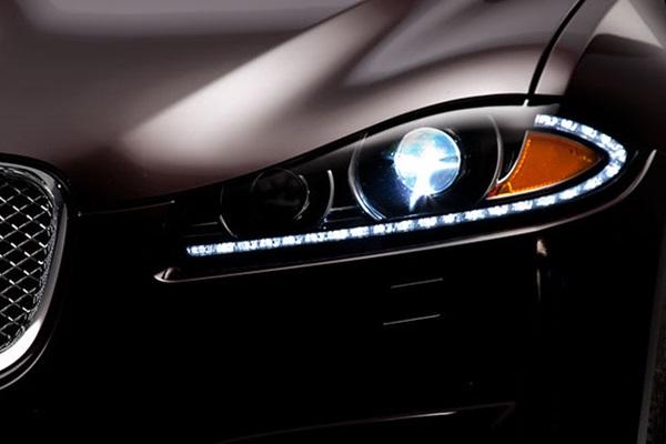 LED/HID 一定比鹵素燈安全?《消費者報告》選出 10 款最佳頭燈車款!