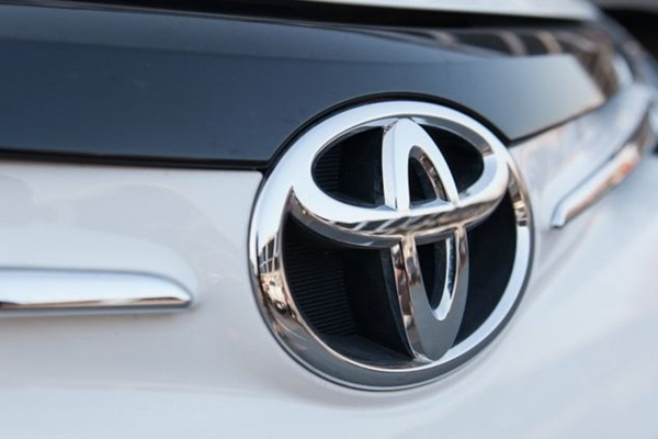 純燃油車款何時淘汰?全球油電霸主 Toyota 給出具體時間!