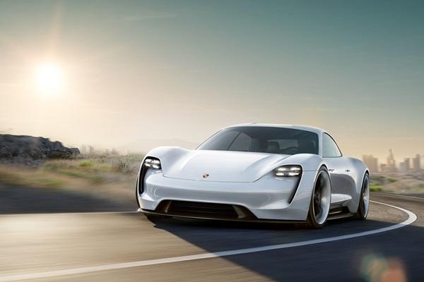 自動駕駛會喪失操駕樂趣?Porsche 表示:「不用擔心!」