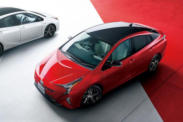 日本 11 月汽車排行 Toyota 依然強勢,前任霸主終於重返榜上!