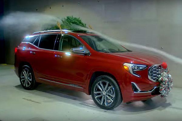 鹿角、紅鼻子可愛的耶誕裝扮!竟是車輛隱藏油耗殺手(內有影片)