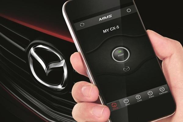 Mazda 全新科技專利,竟遭外媒質疑:鼓勵車主開車玩手機!
