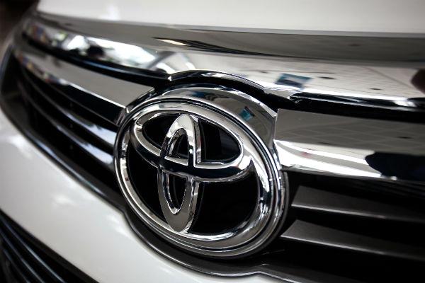 休旅車熱銷擋不住,Toyota 竟準備縮減房車陣容!