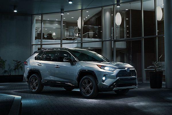 新 Toyota RAV4 何時會有 3 排 7 座?北美副總裁現身說分明