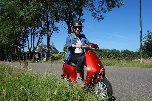 續航力 400 公里!荷蘭電動機車是怎麼辦到的?